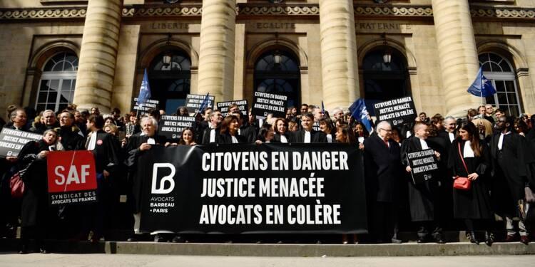 """Journée """"justice morte"""" des avocats: les tribunaux au ralenti"""