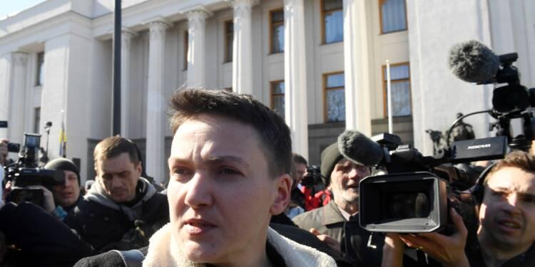 Hier héroïne en Ukraine, Savtchenko retourne en prison