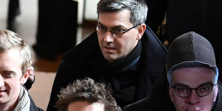 """Procès du """"groupe de Tarnac"""": Julien Coupat et Yildune Lévy relaxés pour le sabotage d'une ligne SNCF"""