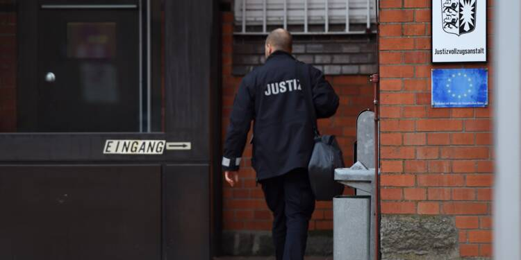 L'indépendantiste catalan Puigdemont présenté lundi à un juge en Allemagne