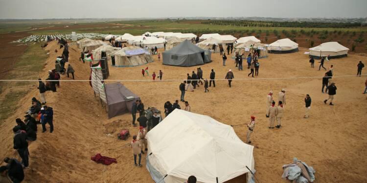Face à face sous tension entre Gazaouis et soldats israéliens à la frontière