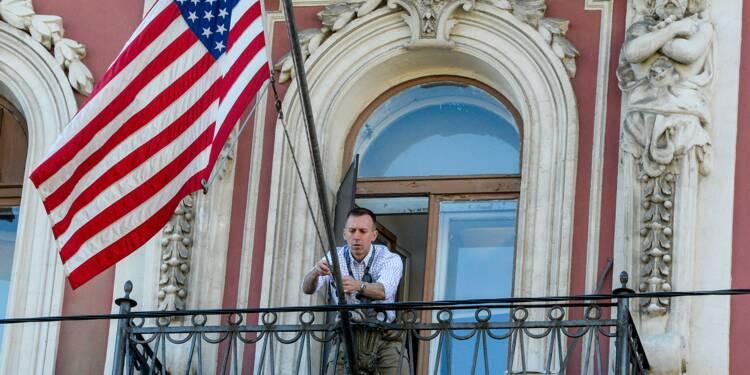 Départ samedi des diplomates russes expulsés des États-Unis, selon l'ambassadeur