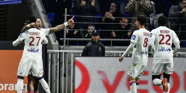 Ligue 1: Lyon assure, Lille coule toujours plus