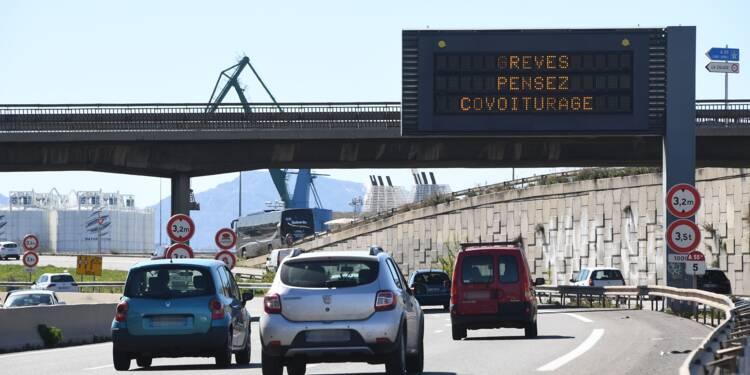 Grève à la SNCF : autocars et covoiturage voient leurs réservations s'envoler