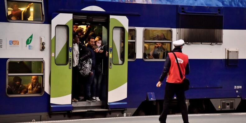 """La grève SNCF démarre fort, le gouvernement assure qu'il """"tiendra bon"""""""