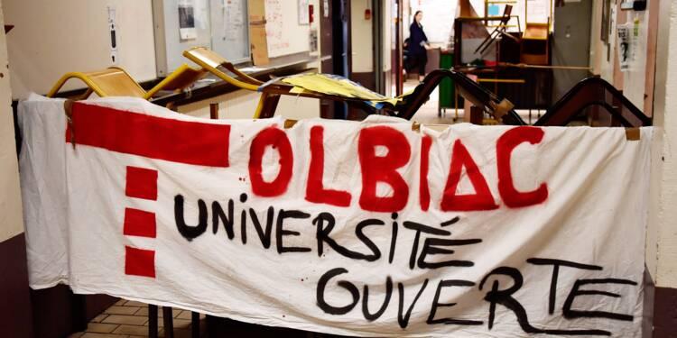 """Universités: des amphis occupés, la ministre dénonce une """"désinformation"""" sur sa loi"""