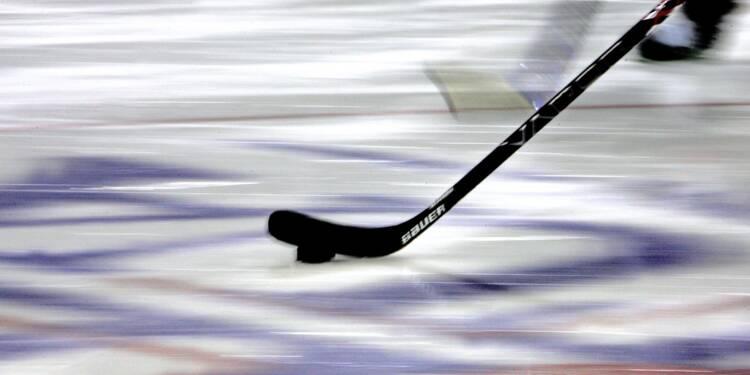 Canada: 14 morts dans un accident entre un car de jeunes hockeyeurs et un camion