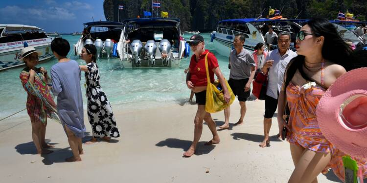 Le tourisme de masse, malédiction des plages de rêve d'Asie du Sud-Est