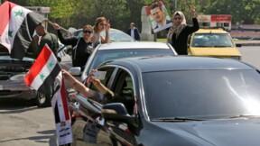Damas: des partisans du régime manifestent après les frappes des Occidentaux