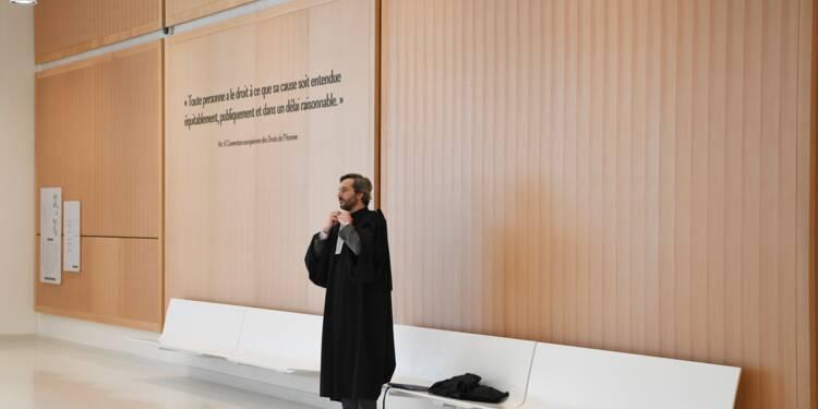 """Faire un """"voeu"""" et """"badger"""": le nouveau tribunal de Paris ouvre ses portes"""