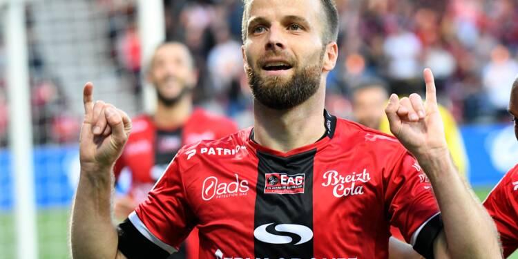 Ligue 1: méconnaissable et étrillé à Guingamp, Monaco perd du terrain
