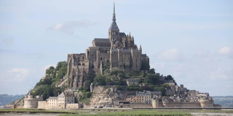 Le Mont-Saint-Michel évacué, un individu suspect recherché