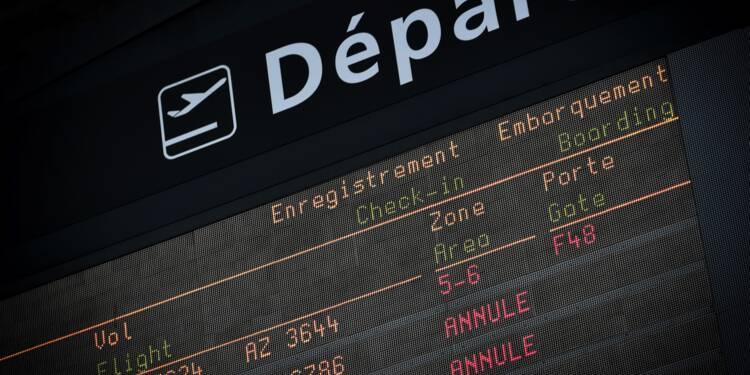Grève des fonctionnaires: la DGAC recommande d'annuler 20% des vols mardi
