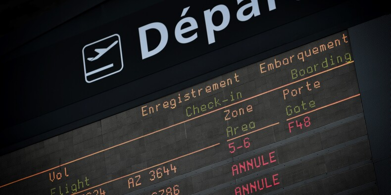 Aéroports parisiens: trafic en baisse de 1,2% en avril, affecté par les mouvements sociaux