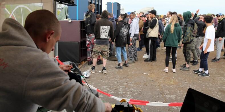 """""""Liberté"""", """"techno"""" et """"autogestion"""": le Teknival fête ses 25 ans dans l'illégalité"""