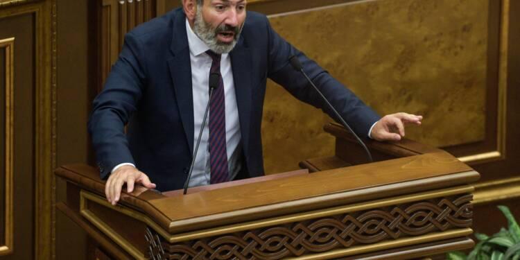 Arménie: Pachinian appelle au blocage des routes, des trains et des aéroports