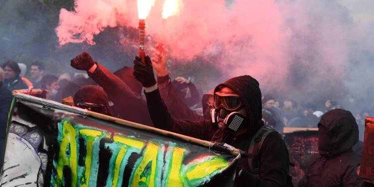 """Manifestation du 1er Mai: près de 200 """"blacks blocs"""" interpellés"""