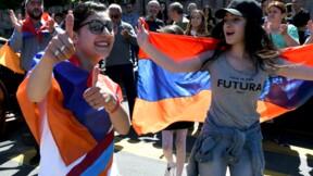 Arménie: des milliers de manifestants pro-Pachinian paralysent Erevan