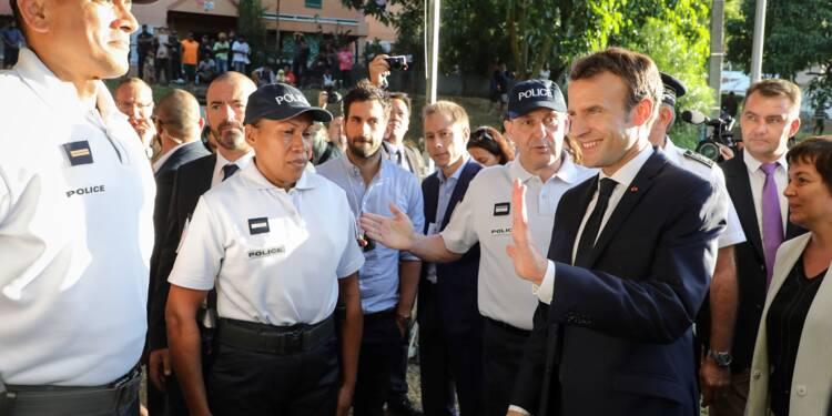 """Macron au contact de """"la Nouvelle-Calédonie d'aujourd'hui"""""""
