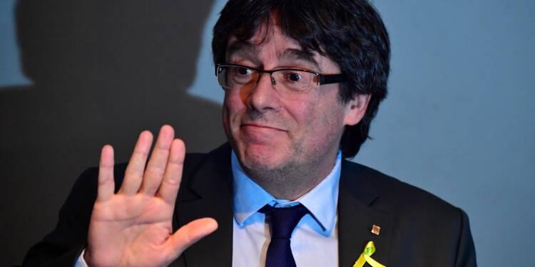 Présidence catalane: Puigdemont renonce et désigne un successeur