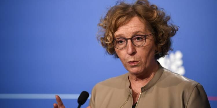 """Business France: Pénicaud """"sereine"""" avant sa convocation chez un juge"""