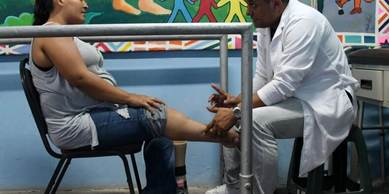 """Honduras: la """"nouvelle vie"""" des migrants amputés de retour au pays"""
