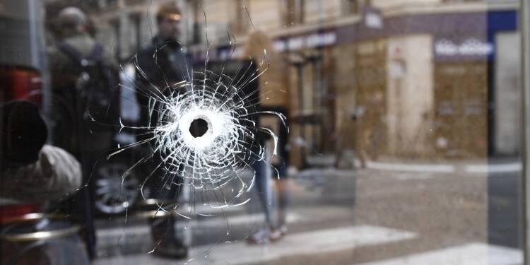Attaque au couteau: trois proches de l'assaillant en garde à vue, polémique sur les fichés S