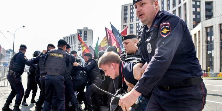"""Manifestation pour un """"internet libre"""" à Moscou, plus de 20 arrestations"""