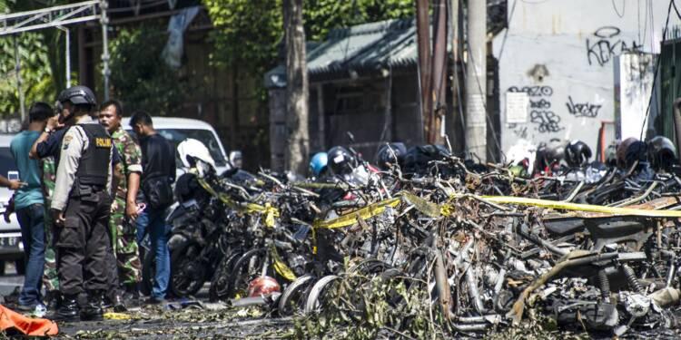 Onze morts dans des attaques contre des églises indonésiennes