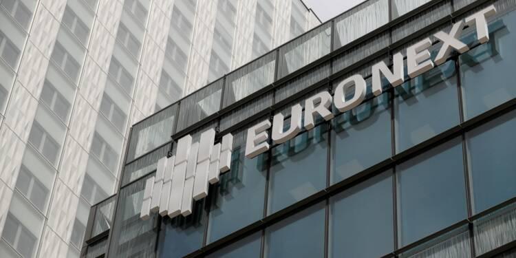 La Bourse de Paris tente de se ressaisir mais reste dans le rouge