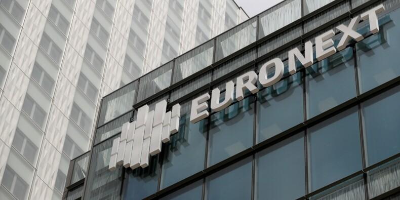 La Bourse de Paris dans le rouge minée par les inquiétudes politiques et commerciales