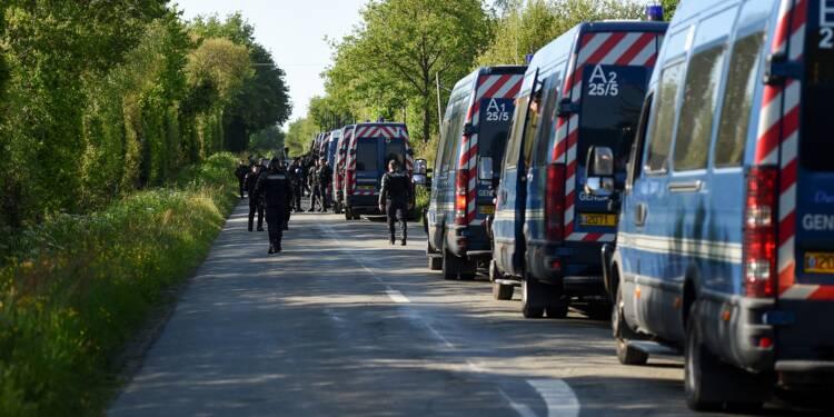 NDDL: la deuxième opération d'expulsion se poursuit dans le calme