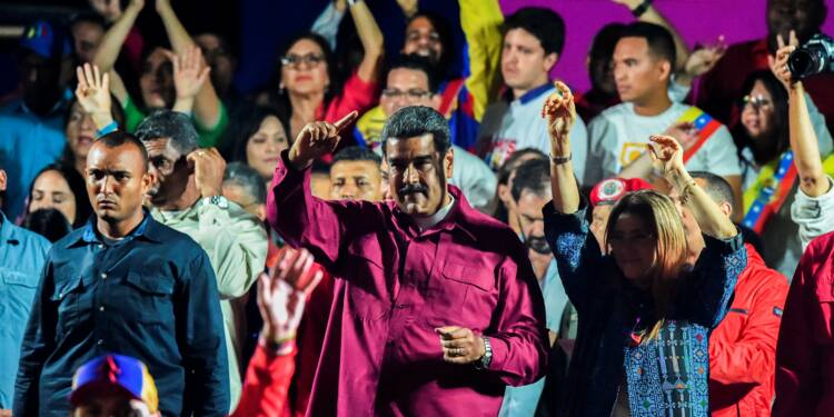 Venezuela: Maduro réélu jusqu'en 2025, ses opposants rejettent les résultats