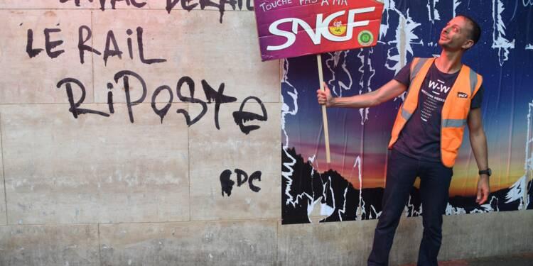 SNCF: les cheminots se prononcent massivement contre la réforme