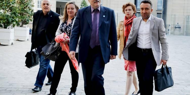 """SNCF: l'Unsa """"rassurée"""" sur la dette prendra """"très rapidement"""" une décision sur la grève"""