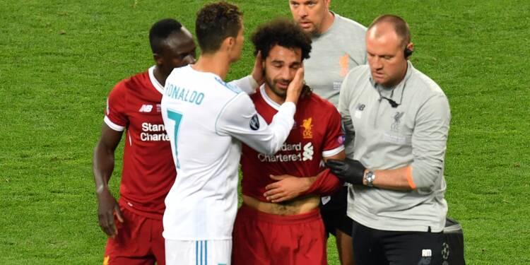 Ligue des champions: Salah, blessé et en larmes, quitte le terrain en finale