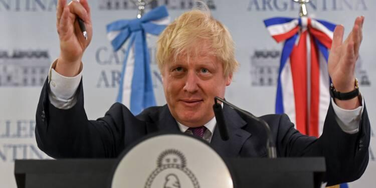 """Brexit: le Royaume-Uni doit """"totalement"""" quitter l'union douanière (Johnson)"""