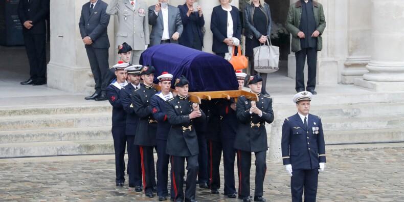 """Honneurs militaires à Serge Dassault: Philippe salue un """"visionnaire"""" et un """"patriote"""""""