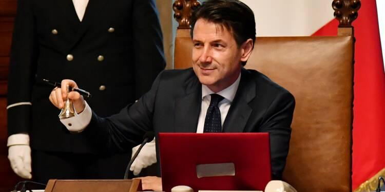 Le premier gouvernement populiste en Italie prête serment