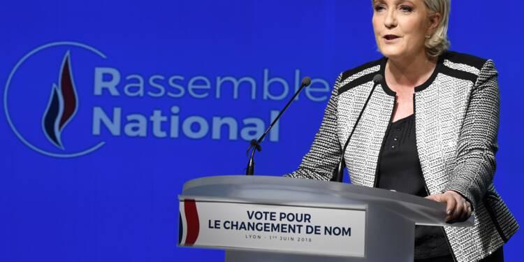Le parti de Marine Le Pen change de nom mais garde la flamme identitaire