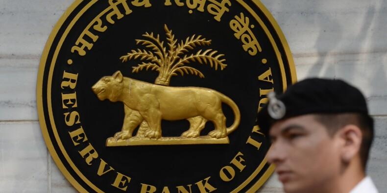Inde: la Banque centrale relève ses taux pour la première fois en quatre ans