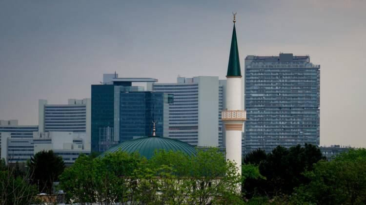 """Offensive contre l'""""islam politique"""" en Autriche : imams menacés d'expulsion et mosquées fermées"""