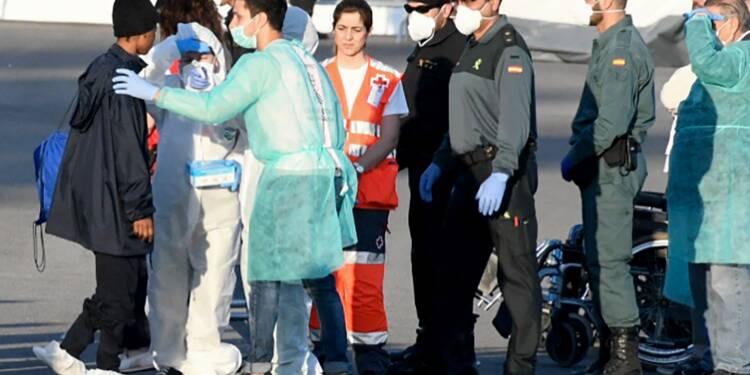 L'Aquarius: l'odyssée de 630 migrants face au bras de fer européen
