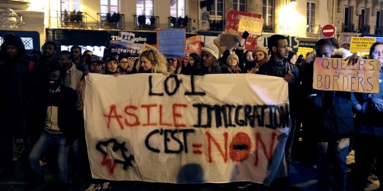 Le texte asile-immigration arrive au Sénat, l'Aquarius en toile de fond