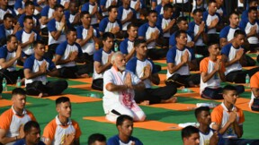 La Journée internationale du yoga s'étire à travers le monde
