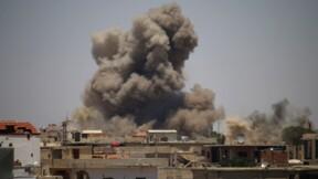 Syrie: des dizaines de familles du sud fuient sous le feu du régime