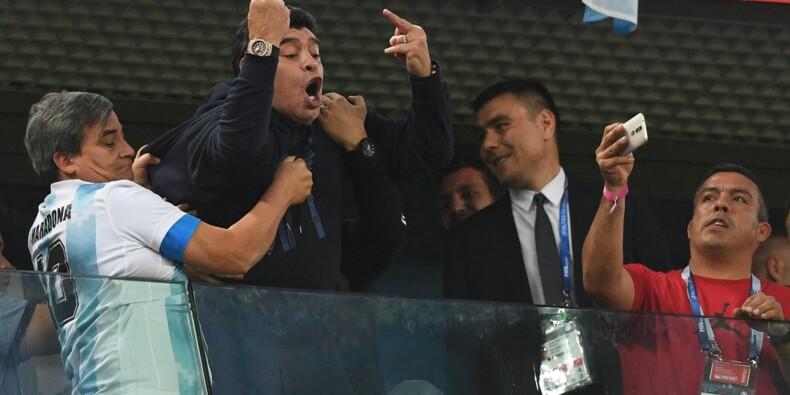 Mondial-2018 - Argentine-Nigeria: Maradona entre danse, doigts d'honneur et malaise