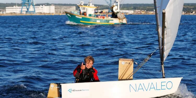 A 12 ans, il bat le record de traversée de la Manche en solitaire en Optimist
