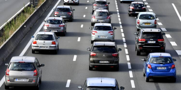 Départs en vacances: difficultés sur l'A7, pic de 230 km de bouchons
