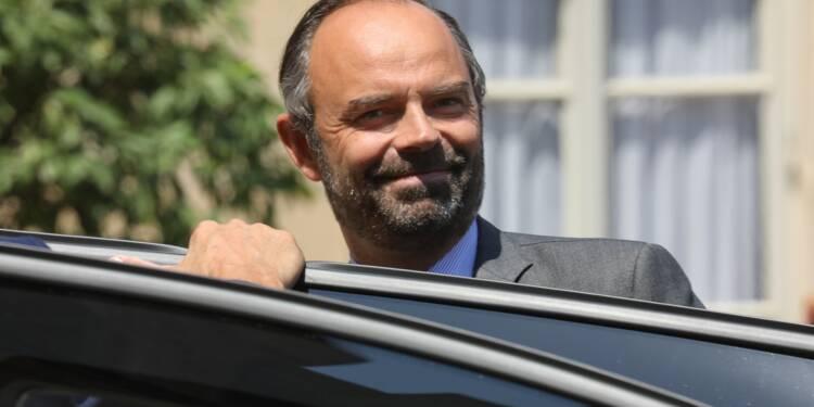 """A Aix-en-Provence le gouvernement défend ses réformes et sa """"ténacité"""""""